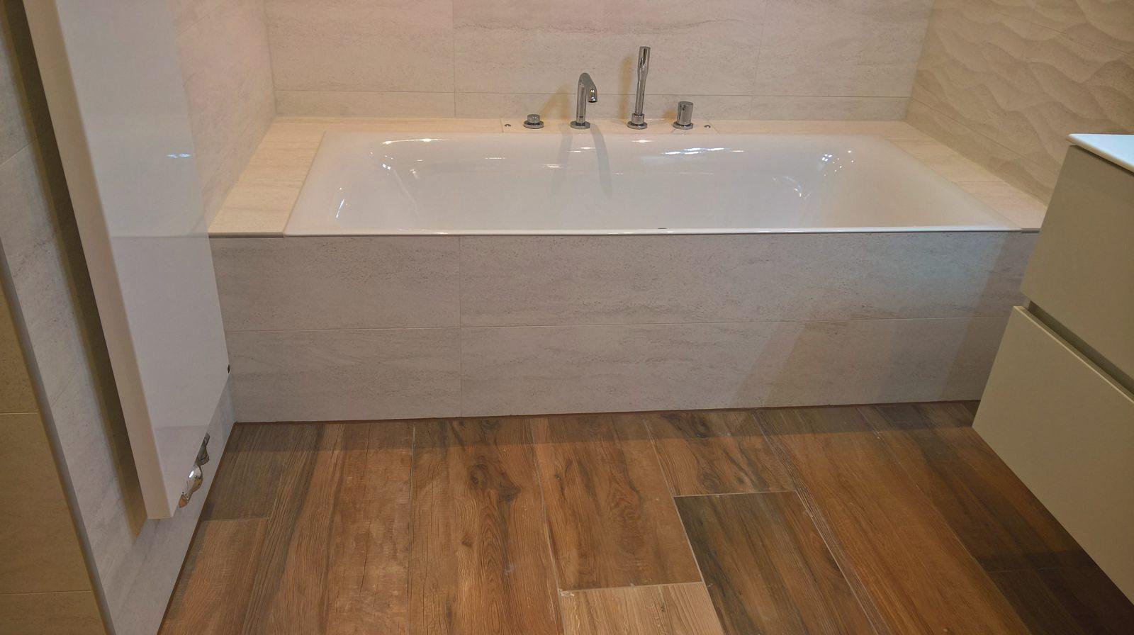 Badkamer met tegels van Venis