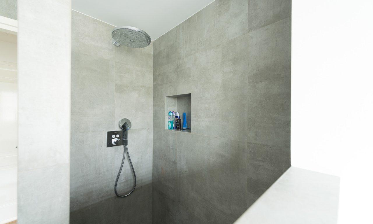 Badkamer Tegel Betonlook : Betonlook tegels badkamer nijkerk ouwendorp tegels